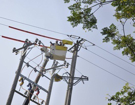 Ngỡ ngàng trước phương pháp sửa chữa điện hiện đại của EVN HANOI