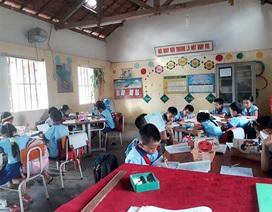 Quảng Bình: Hàng trăm HS trở lại trường sau đợt nghỉ để phản đối sách Công nghệ Giáo dục