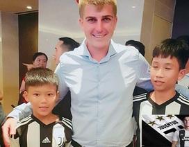 """Xóm nghèo """"nức lòng"""" khi có hai cậu bé cùng trúng tuyển Học viện Bóng đá Juventus"""