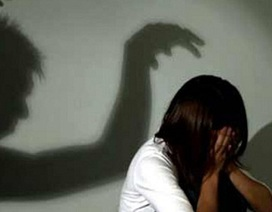 Truy tố gã đàn ông nhiều lần khống chế hiếp dâm bé gái 14 tuổi