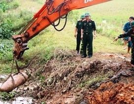 """Phá hủy thành công quả bom """"khủng"""" dài 1,6m, nặng gần 300kg"""
