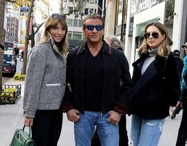 """""""Rambo"""" Sylvester Stallone phong độ ra phố cùng vợ trẻ, con xinh"""