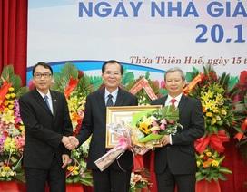 Tặng Huân chương Lao động Hạng Nhất đến nguyên Giám đốc Đại học Huế