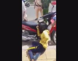 Một phụ nữ trúng đạn cao su vì súng CSGT cướp cò?