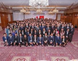 Giao lưu với học viên khóa 2 của Đại học Việt Nhật đang thực tập tại Tokyo