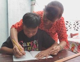 Cô giáo gần 20 năm dạy chữ miễn phí cho trẻ mồ côi, khuyết tật