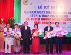 Trường ĐH Sư phạm Đà Nẵng tuyên dương tập thể, cá nhân nhà giáo xuất sắc