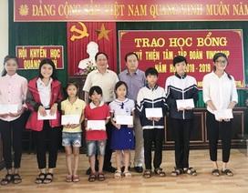 Quảng Bình: Trao học bổng Quỹ Thiện Tâm đến HS, SV nghèo