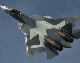 """Nga lần đầu công bố video """"bóng ma bầu trời"""" Su-57 sải cánh tại Syria"""