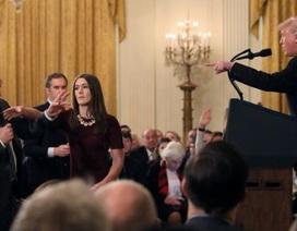 """Nhà Trắng cấp lại quyền tác nghiệp cho nhà báo CNN bị """"cấm cửa"""""""