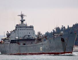 Tàu hải quân Nga chở vũ khí tiến về Syria