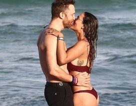 David Guetta tươi tắn bên bạn gái kém 27 tuổi