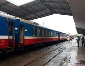 2.500 hành khách phải trung chuyển do đường sắt Bắc - Nam tê liệt