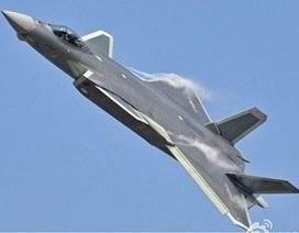 """Chuyên gia """"phơi bày"""" chiến lược sao chép công nghệ của không quân Trung Quốc"""