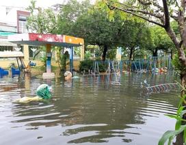 Một số trường ở TPHCM ngập trong nước