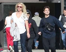 Britney nghỉ lễ Tạ Ơn cùng 2 con trai