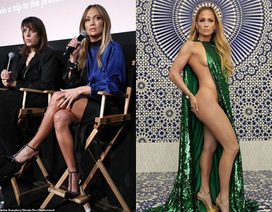 Jennifer Lopez trẻ trung, xinh đẹp ở tuổi 49