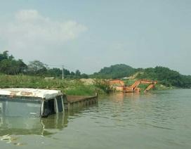 Vụ ô tô, máy xúc chìm dưới lòng hồ thủy điện: Đã có thông báo tích nước?