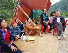 Người dân dỡ lều, về nhà sau nhiều ngày túc trực phản đối xây đài hóa thân