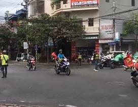"""Vụ đoàn """"phượt"""" chặn ngã tư giành đường như... xe ưu tiên:  Để đảm bảo an toàn giao thông (!)"""