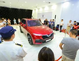 Khách Sài Gòn quyết mua xe máy điện thông minh VinFast chỉ sau… 5 phút bàn bạc