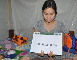 Bạn đọc tiếp tục giúp đỡ gia đình chị Lê Thị Thơm 30 triệu đồng