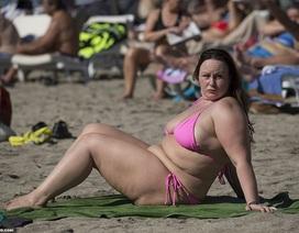 Chanelle Hayes: Tăng cân vẫn tự tin diện áo tắm