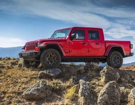 Xe bán tải Jeep Gladiator mở lối đi riêng