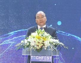 """Thủ tướng Nguyễn Xuân Phúc """"tiếp lửa"""" về khởi nghiệp cho giới trẻ"""