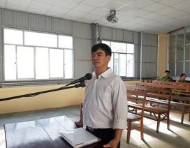 """Nguyên giảng viên trường cao đẳng bị phạt tù vì """"đòi xử"""" hiệu trưởng"""