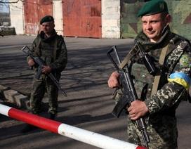 Ukraine áp lệnh cấm nhập cảnh với công dân Nga