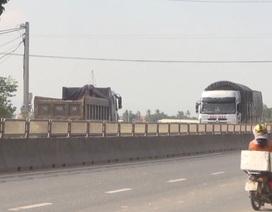 """Xe tải có """"số"""" ở Phú Yên ngang nhiên lộng hành trên Quốc lộ 1!"""