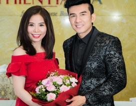 Đan Trường bị bắt gặp khi đi làm đẹp tại Hà Nội