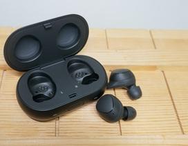 Cận cảnh tai nghe hoàn toàn không dây Samsung Gear IconX 2018 tại Việt Nam