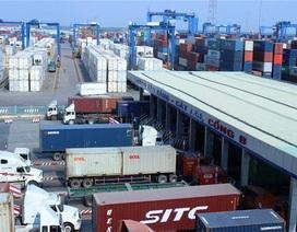 """Hải quan phát hiện 25 container """"rác"""" nhập về TPHCM"""