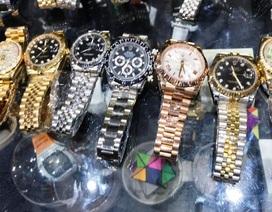 Tạm giữ hàng trăm đồng hồ Rolex, Omega, Hublot… không rõ nguồn gốc