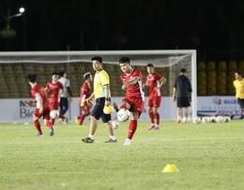 Đội tuyển Việt Nam làm quen sân Panaad, sẵn sàng đấu Philippines