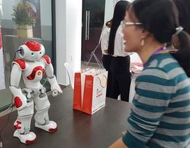 Xem robot thông minh Nhật Bản giao tiếp với con người