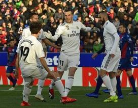 """Gareth Bale lập công, Real Madrid thắng vất vả """"tí hon"""""""