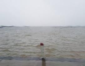 Huế nguy cơ ngập sâu, mưa càng lúc càng lớn