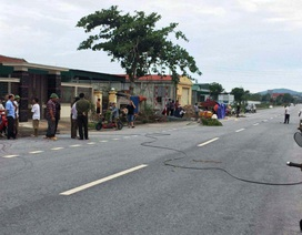Người phụ nữ chết thương tâm vì vướng dây điện đứt trên đường