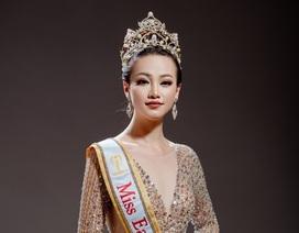 Hoa hậu Trái đất Phương Khánh bật khóc, phủ nhận tin đồn vô ơn, mua giải
