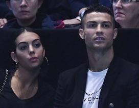 C.Ronaldo bất ngờ tránh né chuyện lấy vợ