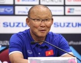 HLV Park Hang Seo được vinh danh trước đại chiến với Malaysia