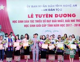 Tuyên dương 25 học sinh giỏi dân tộc thiểu số xứ Nghệ