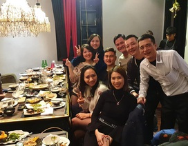 Bữa tiệc bình dị của gia đình dành cho Đặng Văn Lâm sau thành công tại AFF Cup