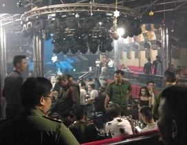 Cảnh sát đưa 147 dân chơi trong quán bar về trụ sở để kiểm tra ma tuý