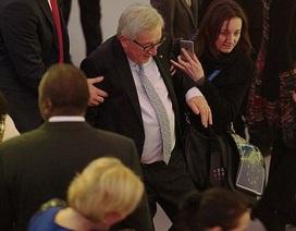 Dáng đi lảo đảo gây chú ý của chủ tịch EU