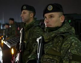 """Mỹ, NATO """"chỏi"""" nhau chuyện Kosovo định lập quân đội"""