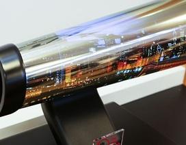 """Mỹ và Trung Quốc tiếp tục """"căng thẳng"""", TV cuộn LG sắp thương mại hóa"""